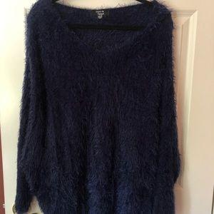 Fuzzy dark navy LF Hoodie Sweater (one size)